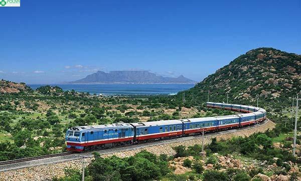 Tuyến tàu hỏa Bắc - Nam đưa hành khách tới với Hội An