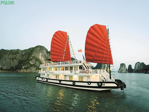 HaLong Imperial Classic Cruise cũng là lựa chọn đầy tuyệt vời với mức giá rẻ hơn cho bạn.