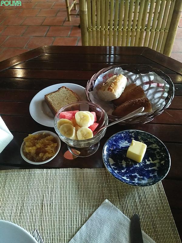 Một set ăn đầy đủ, hấp dẫn của resort.