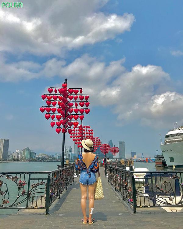 Cây cầu được lấy ý tưởng từ những cây cầu nổi tiếng trên thế giới.