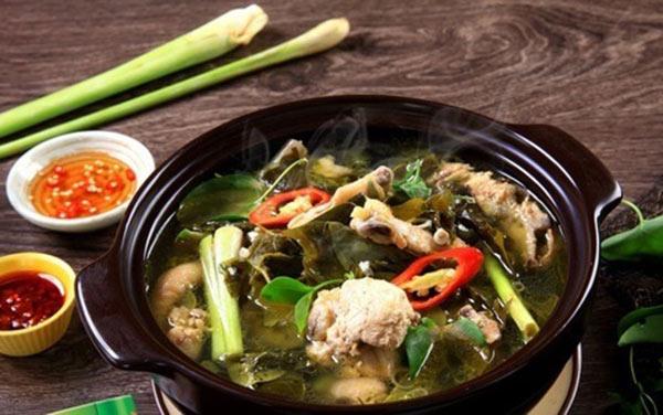 Thử canh chua lá giang Đồng Nai ngày nắng du khách lỡ phải lòng