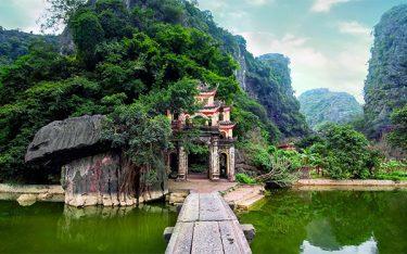 Ghé thăm chùa Bích Động – cổ tự linh thiêng giữa lòng Tràng An