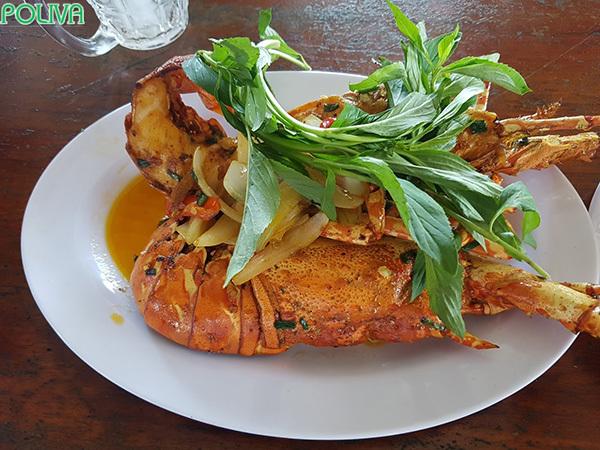 Đừng quên thưởng thức hải sản bạn nhé!.