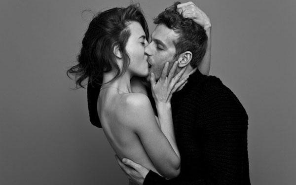 Học cách hôn môi bạn gái kiểu Pháp - Hôn nút lưỡi đầy mê hoặc