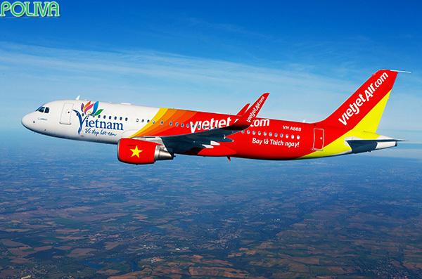 Lựa chọn máy bay sẽ giúp hành khách tiết kiệm được thời gian.