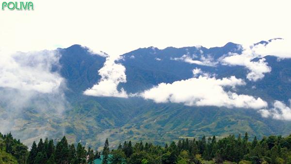 Núi Hàm Rồng là điểm dừng chân hấp dẫn của du khách khi tới SaPa.