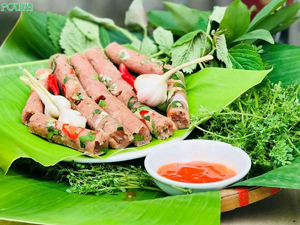 Nem chua là món ăn ngon hấp dẫn xứ Thanh.