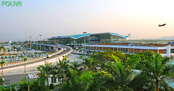 Dừng chân tại sân bay Đà Năng, sau đó bạn có thể ghé thăm Cầu Tình Yêu một cách dễ dàng.