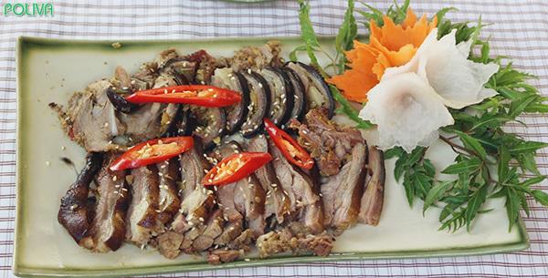 Thịt dê Ninh Bình - đặc sản hấp dẫn du khách không nên bỏ qua.