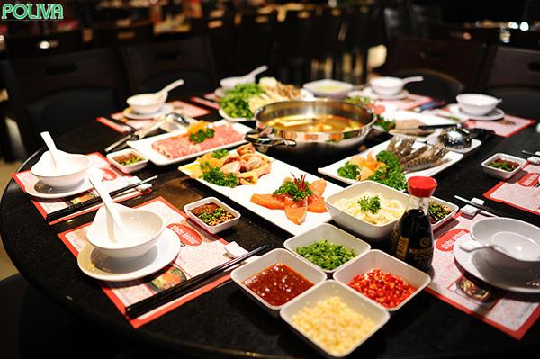 Nơi đây có rất nhiều món ngon đặc trưng cho ẩm thực Nhật.