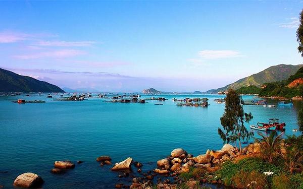 """Vũng Rô Phú Yên: Khám phá vùng vịnh đẹp """"say đắm"""" lòng người"""