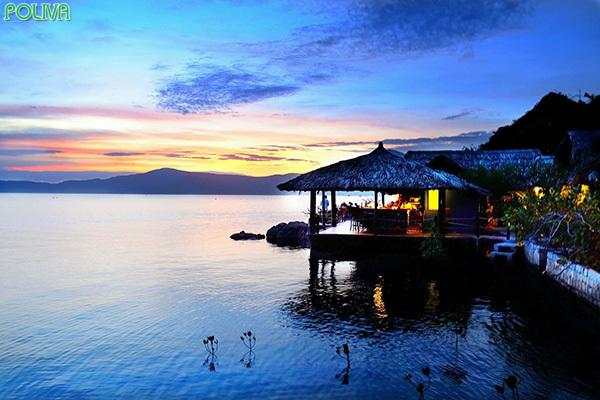 Whale Island Resort với rất nhiều tiện ích sang trọng.