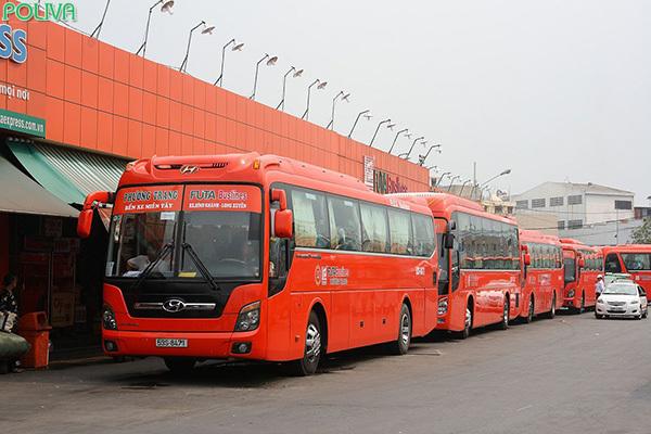 Xe khách tới Nha Trang là phương tiện tiết kiệm cho hành khách.