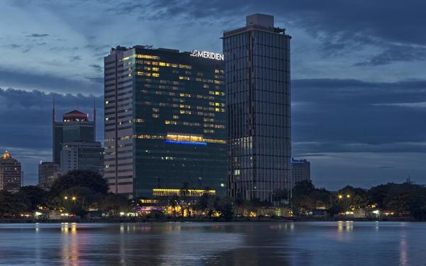Góc nhìn đẹp lãng mạn bên kia sông của khách sạn Le Meridien
