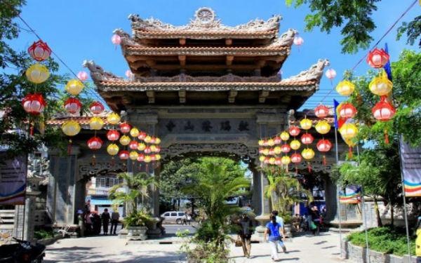Chùa Long Sơn: Nơi tìm lại sự thanh tịnh trong tâm hồn