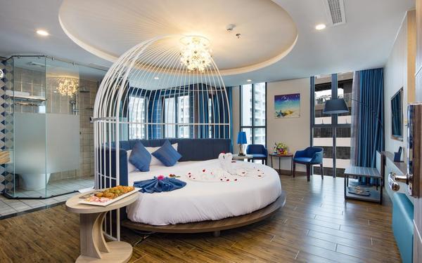 Thiết kế lồng chim ấn tượng trong không gian của phòng ngủ khách sạn Aaron