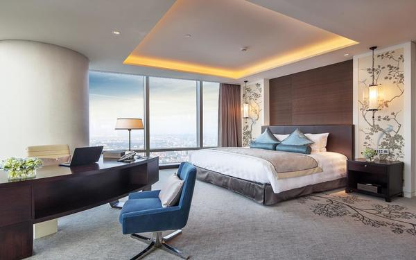 Họa tiết đơn giản thanh thoát làm điểm nhấn cho phòng ngủ khách sạn Lotte