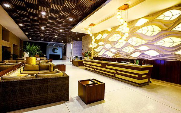 Tranh nghệ thuật độc đáo tôn lên nét trang trọng của sảnh khách sạn