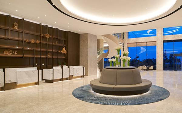 Thiết kế sảnh của khách sạn Four Points pha lẫn cổ điển và hiện đại