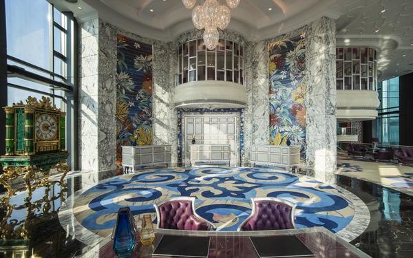 Vẻ đẹp nguy nga với phong cách hoàng gia Ý của khách sạn Reverie Saigon