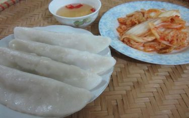 """Lên Phú Thọ thưởng thức bánh Tai ngon quên chuyện """"sầu"""""""