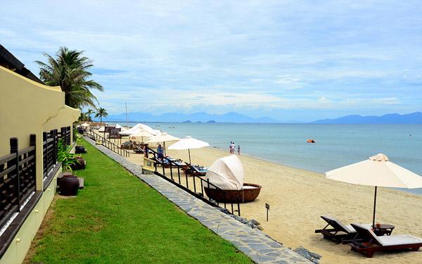 Resort bãi biển Cửa Đại