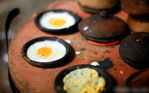 Khuôn bánh đất sét lâu đời ở Phan Rang