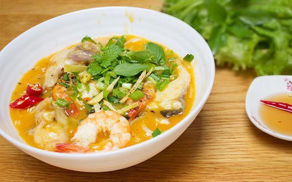 Quán bánh canh Trần Phú có nhiều loại bột cho bạn lựa chọn