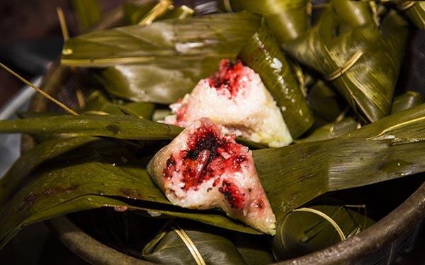 Thưởng thức món bánh cooc mò đặc sản độc đáo của người Tày