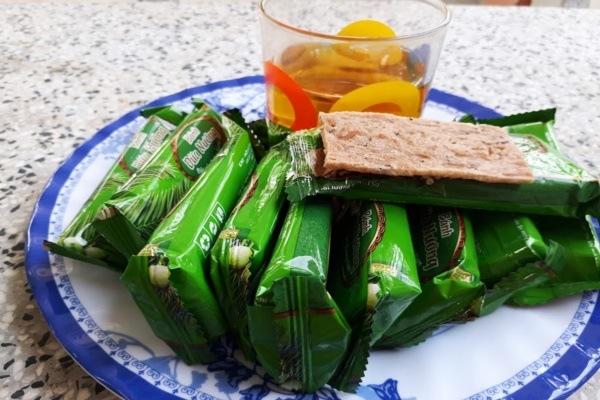 Mua bánh dừa nướng Quảng Nam làm quà cho cả nhà