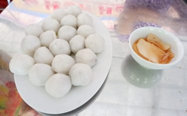 Bánh hòn Hương Canh – Thức đặc sản dung dị, thử là mê