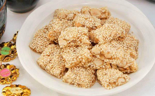 """Bánh khô mè – Quà ngon """"rẻ ví' cho khách du lịch Đà Nẵng"""