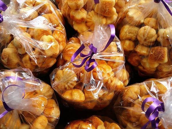 Bánh được bảo quản trong các túi nilon kín gió