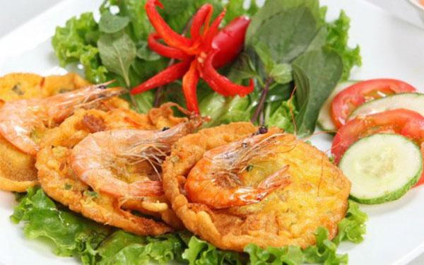 Bánh tôm Hồ Tây thơm ngon ngất ngây hương vị Hà Thành