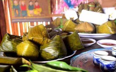 Thưởng thức bánh vắt vai đặc sản ngày Tết của người Cao Lan
