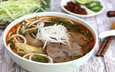 Bún bò Huế: Cực phẩm ẩm thực nhất định phải thử khi đến Cố đô