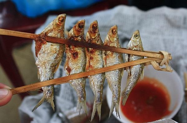 Có thể thưởng thức món cá này với tương ớt