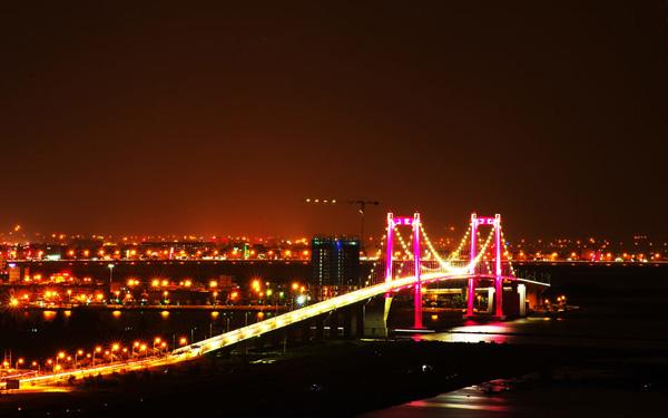Cầu Thuận Phước về đêm