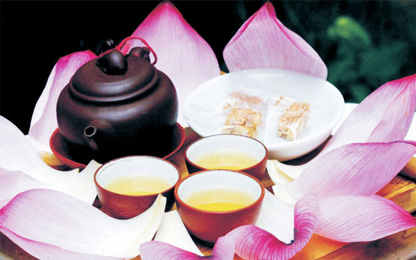 Thưởng thức trà sen Tây Hồ – Dư vị trà cổ của vùng đất Hà Thành