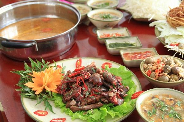 Món ăn được chế biến theo phong cách riêng, ngon lạ