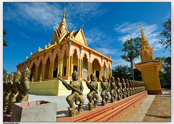 Hình ảnh ngôi chùa rất thân thuộc với người Trà Vinh