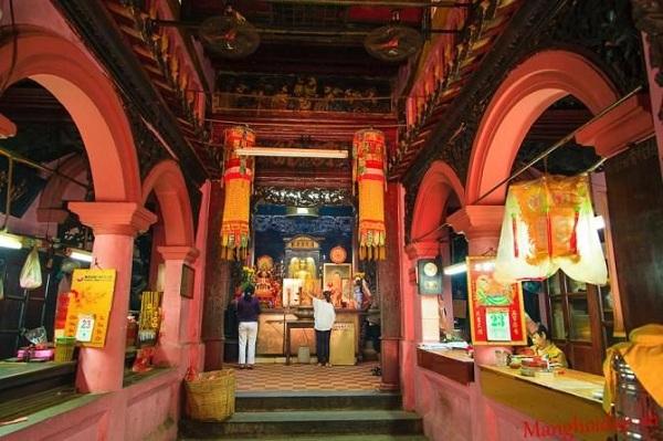 Chính điện của chùa thờ Ngọc Hoàng Thượng đế