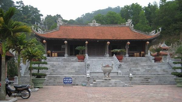 Đền thờ anh hùng dân tộc Nguyễn Trãi