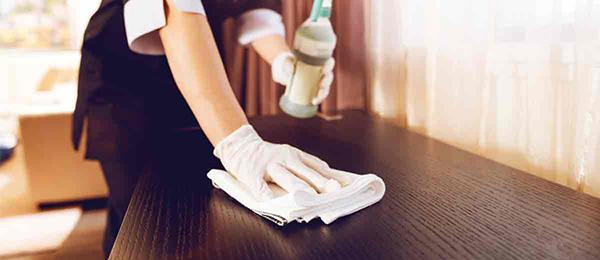 Nhân viên buồng phòng phải đảm bảo mọi ngóc ngách trong phòng cần luôn sạch sẽ