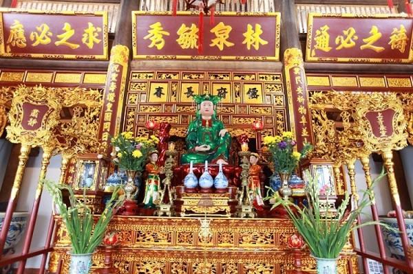 Nơi đây cònđược coi là một trong ba nơi thờ chính của Mẫu Thượng Ngàn
