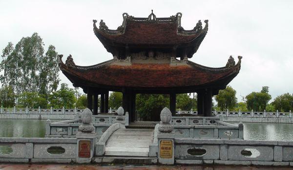 Ngôi đền lịch sử - Đền Đô