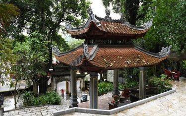 Lên xứ chè nhớ ghé thăm đền Đuổm tâm linh cổ kính