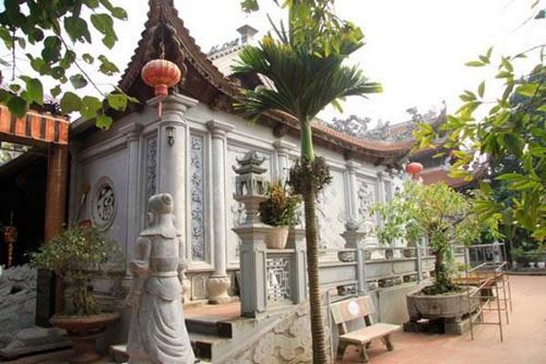 Ghé thăm ngôi đền linh thiêng ở Thái Bình