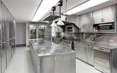 Top các loại dụng cụ bếp khách sạn quan trọng, không thể bỏ qua
