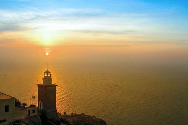 Một chiều hoàng hôn trên hải đăng Mũi Dinh